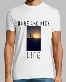 dare & kick life zoeyvaet