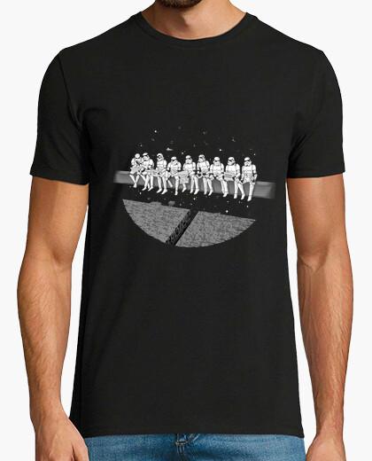 Tee-shirt déjeuner au sommet d'une étoile de la mort