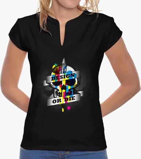 Camiseta Diseñar o morir chica cuello mao
