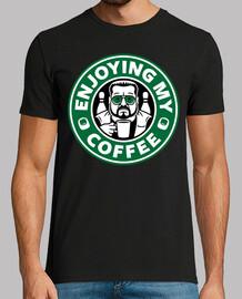 disfrutando mi cafe