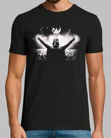 DJ Darth Vader de espaldas
