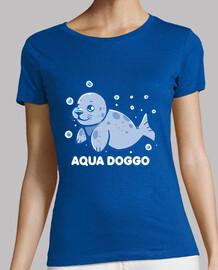 doggo acuático - sello divertido - camisa de mujer