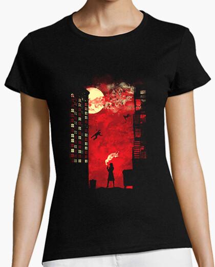 Tee-shirt dressé pour tuer