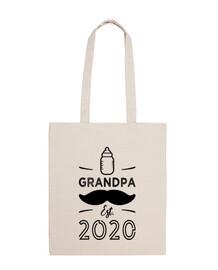 el abuelo es 2020