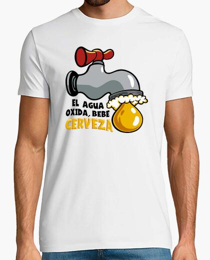 Camiseta El Agua oxida, bebe Cerveza