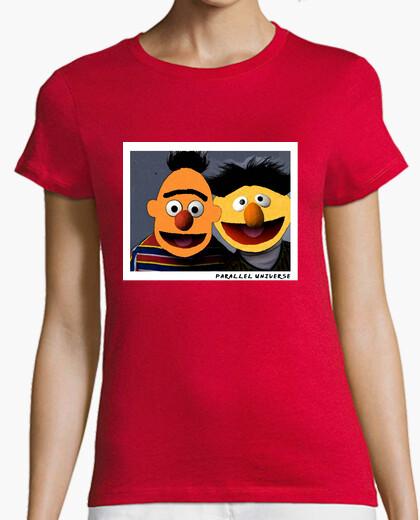 Camiseta Epi y Blas Parallel Universe Street Art