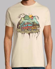 escursione avventurosa in t-shirt alpinismo
