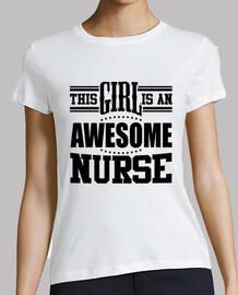 esta chica es una enfermera impresionante