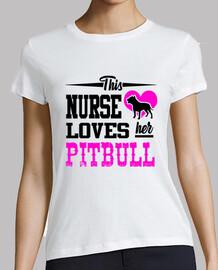 esta enfermera ama a su pitbull