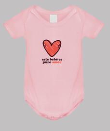 Este bebe es puro amor
