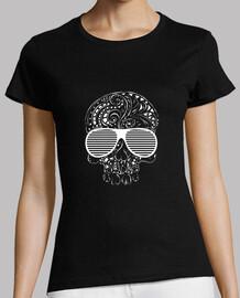 estilo tribal del tatuaje de la edición limitada del cráneo gótico camiseta para mujer