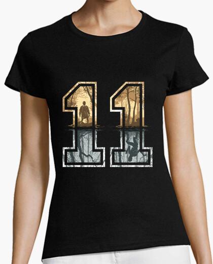 Tee-shirt étrange 11