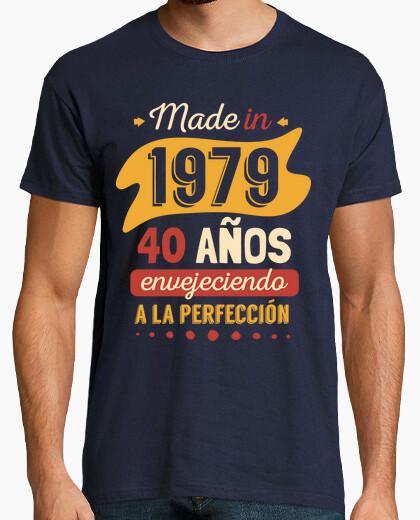 Tee-shirt fabriqué en 1979, 40 ans vieillissement à la perfection