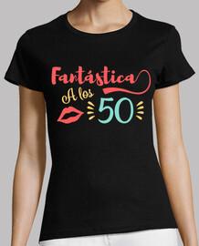 Fantástica a los 50