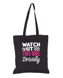 fille au volant permis de conduire nouveau conducteur test de conduite école de conduite