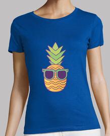 frau - coole ananas