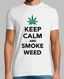 garder les mauvaises herbes calme et la fumée