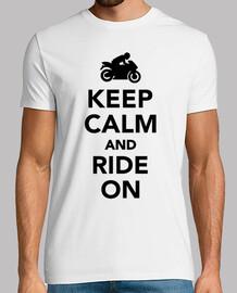 gardez le calme et monter sur la moto