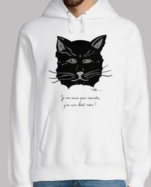gato negro con capucha hombre humor
