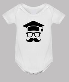 graduation étudiant moustache