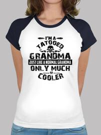 grand-mère tatouée seulement beaucoup p