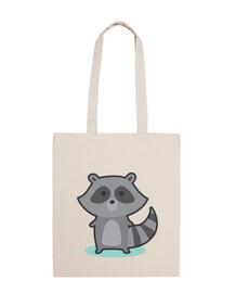 gray raccoon