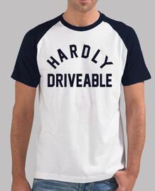 Hardly Driveable estilo béisbol, blanca y azul marino