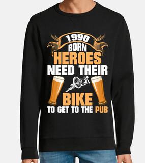 héroes nacidos 1990 con bicicleta