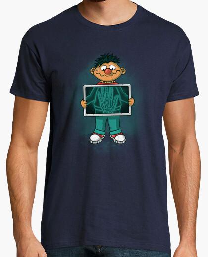 Tee-shirt high five!