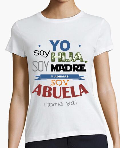 Camiseta Hija, Madre y Abuela (fondo claro)