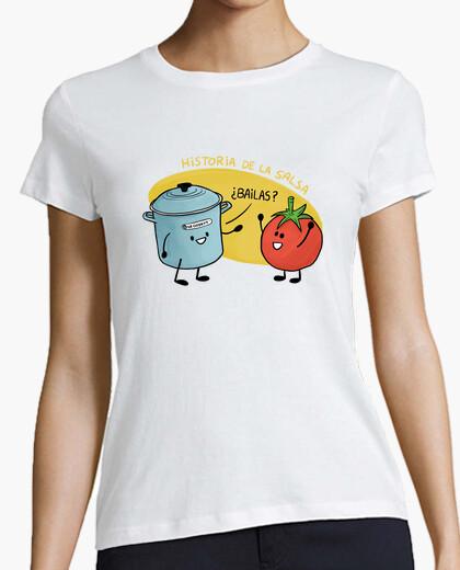 Camiseta Historia de la Salsa. Olla y tomate.