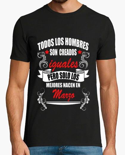 Camiseta Hombres iguales mejores Marzo