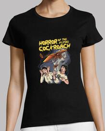 horror de la cucaracha voladora! camisa para mujer