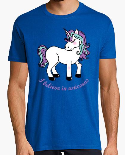 Camiseta I believe in unicorns
