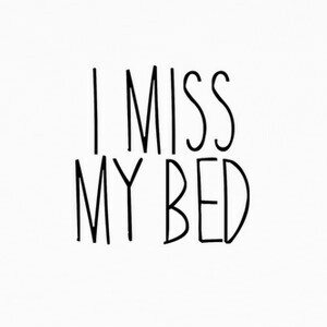 Camisetas I miss my bed