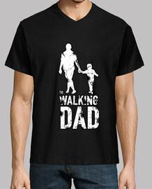 il padre che cammina