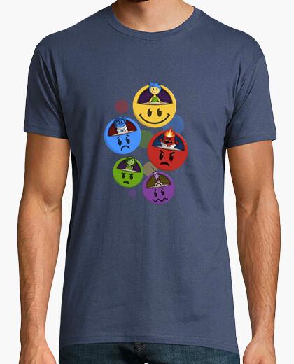 T-shirt inside emoji