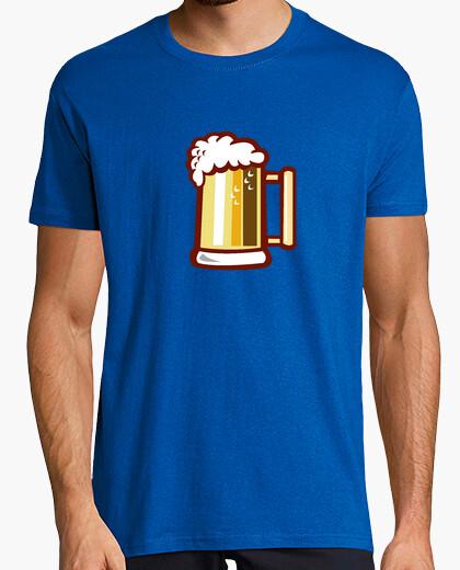 Camiseta jarra de cerveza retro aislado