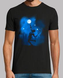 joueuse de tennis jouant avec la lune