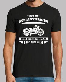 juste une moto avi, avec un avi però més normal guai (catalan)