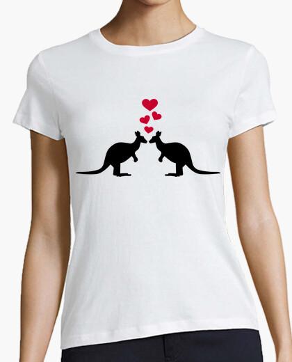 Tee-shirt kangourous coeurs rouges amour