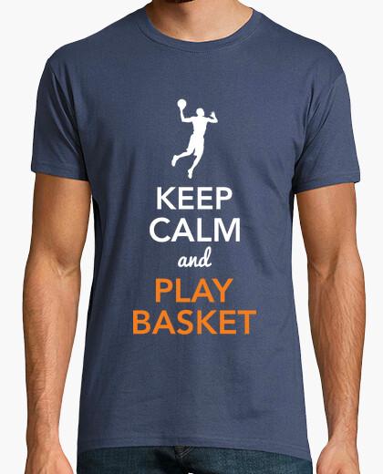 T-shirt keep calm and giocare a basket (uomo)