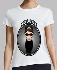 Kokeshi Audrey Hepburn con gafas