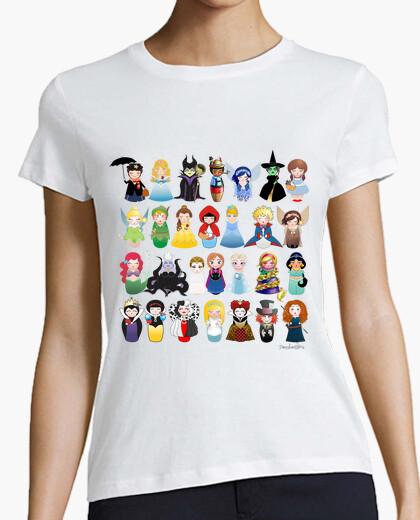 Camiseta Kokeshis personajes de cuento