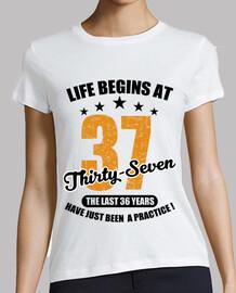 la vida comienza a los treinta y siete