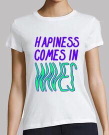 les hapinnes mangent dans les vagues