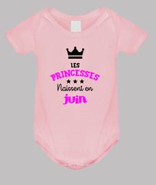 Les princesses naissent en juin / Bébé