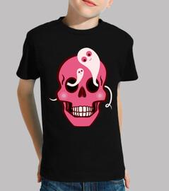 lindo cráneo con araña y fantasmas de o