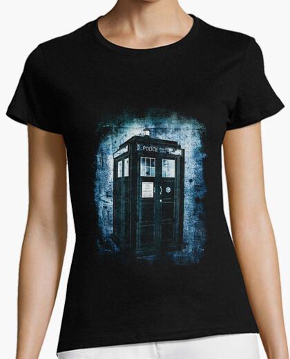 T-shirt lost nella nebbia of time e di spazio