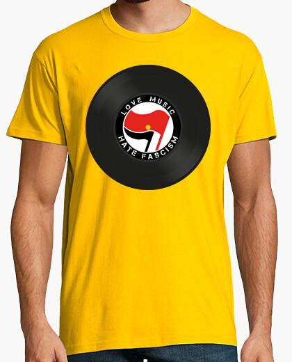 Camiseta Love music hate fascism